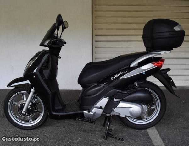 scooter Keeway Outlook 125 , como NOVA ( Honda )