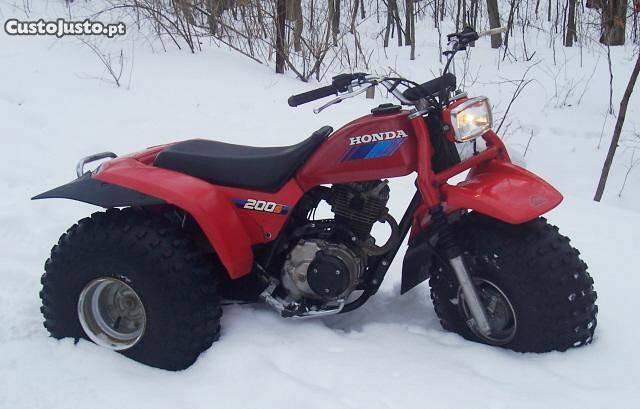 Mota 3 rodas Honda ATC 200