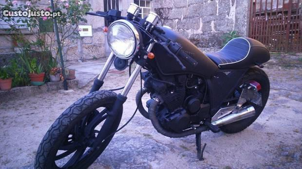 Moto yamaha 400