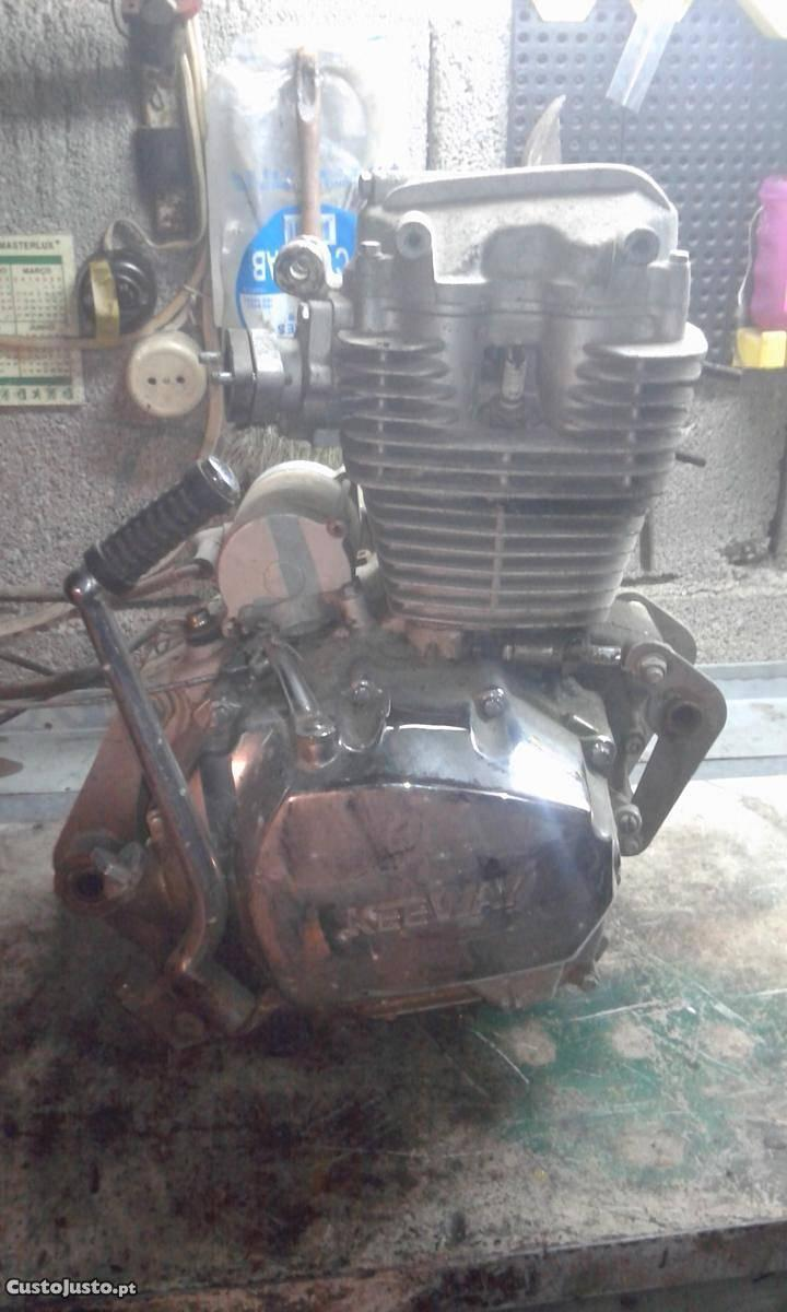 Motor Keeway Superlight 125cc