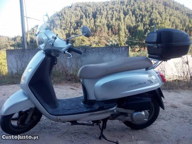 Moto Scooter Sym 125