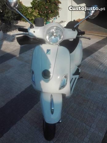 Vespa Piaggio LX 125 ie , 2010