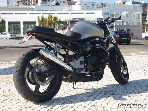 Kawasaki Zr7 Cafe Racer
