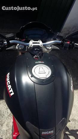 Ducati 696