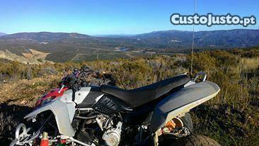 Moto 4 a bom preço