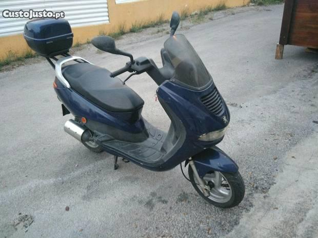 Moto Peugeot elyseo