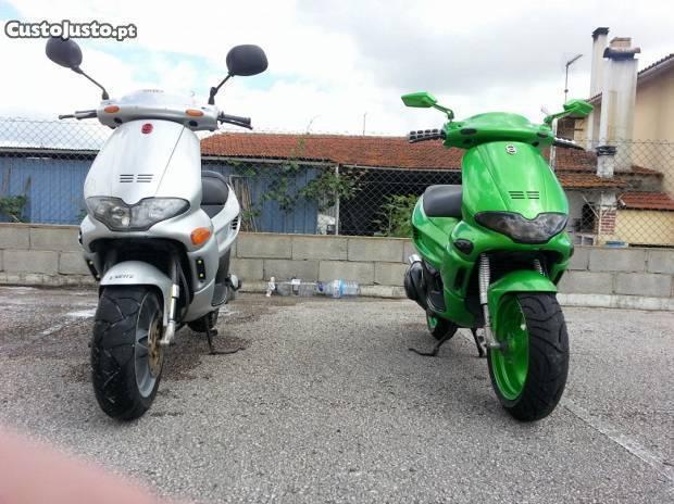Troco 2 scooters por mota 500-1000cc