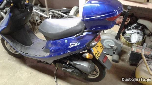 scooter Kinroad usada
