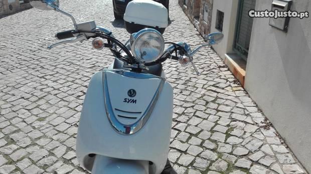 Scooter SYM como nova