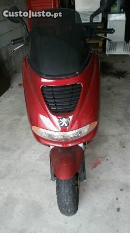 Scooter Peugeot Elyseo