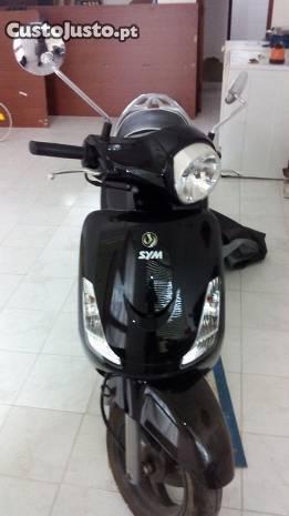 scooter está como nova