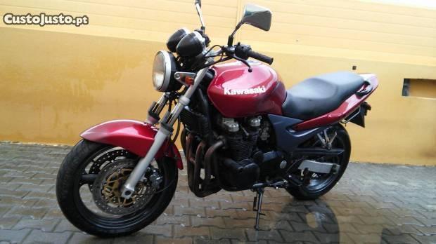 Kawasaki 750 de 2000 com 22.000 km