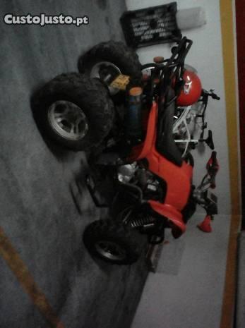 Moto 4 Vermelha