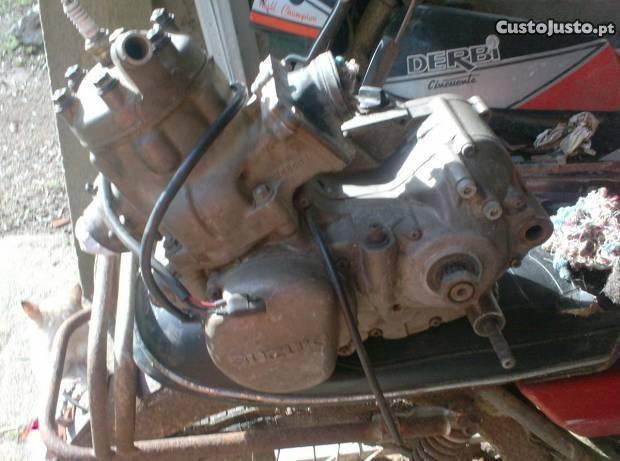 motor suzuki 250cc