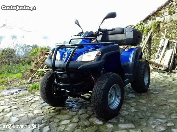 Moto 4 Adly 320