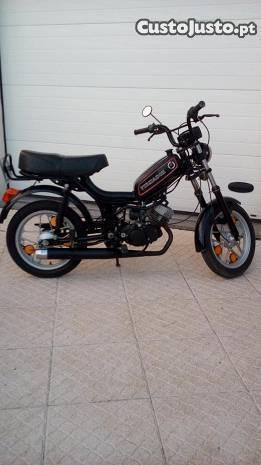 Motorizada / ciclomotor Fundador Casal