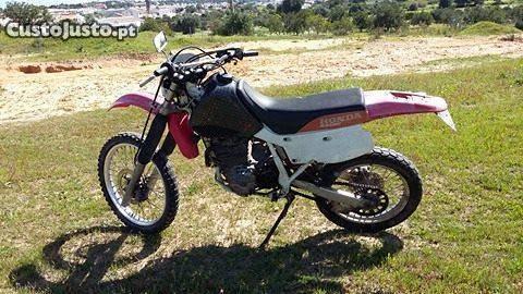 V e n d o ou Troco Honda XR 600 R