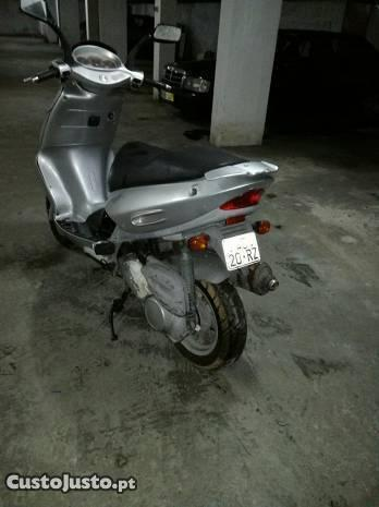 Scooter aprilia sr 125
