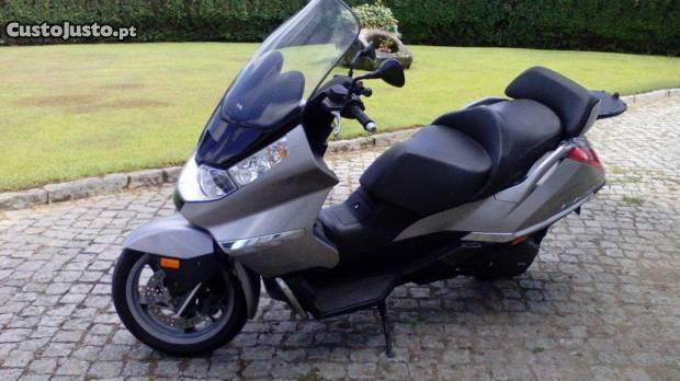scooter aprilia atlantic 500