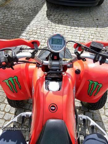 Moto 4 250cc ! Como nova!