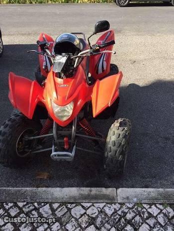 Aeon cobra 220 - moto4