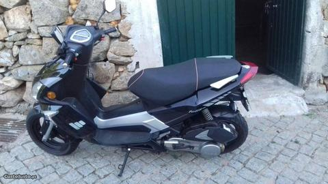 Scooter 125cc com documentos