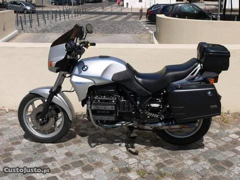 BMW K75C (1990) com malas BMW