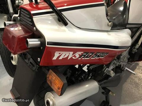 Yamaha 4 cilindros V 2 tempos