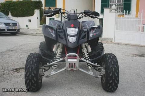 Moto 4 Suzuki LTZ 400