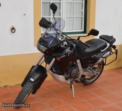 Mota Aprilia Pegaso 650 cc