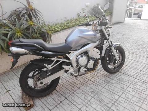 Yamaha fz6 impecável