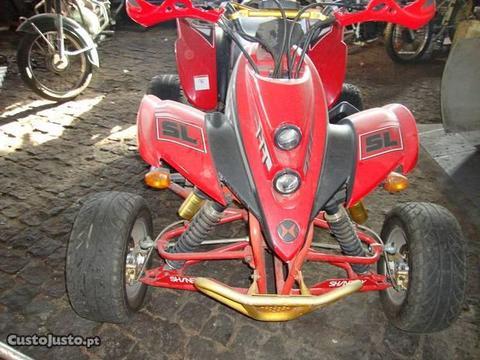 moto quatro