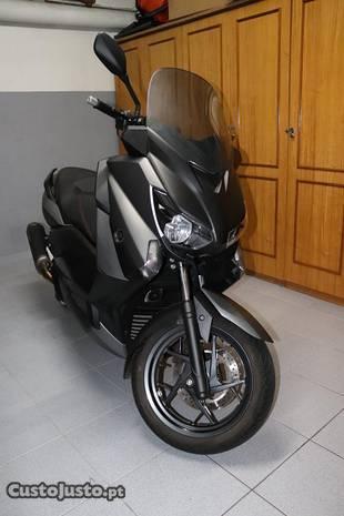 Yamaha Xmax 125 como nova