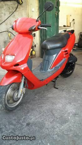Scooter Sym 50c.c e DTR 125cc Motor bom Porto