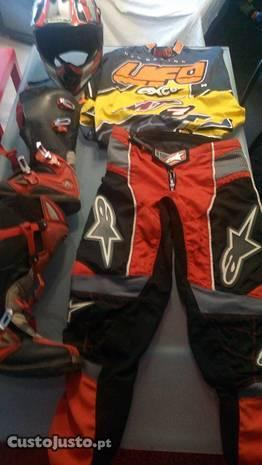 Equipamento Motocross/enduro usado