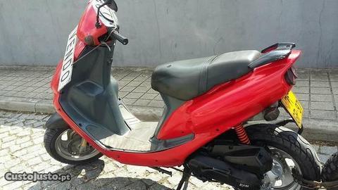 Scooter 50c c.Marca Sym bom motor Porto