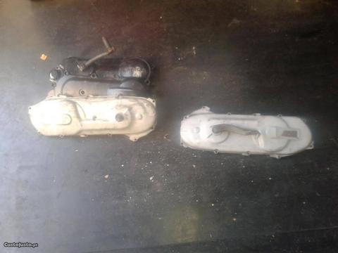Tampas de motores scooters usadas