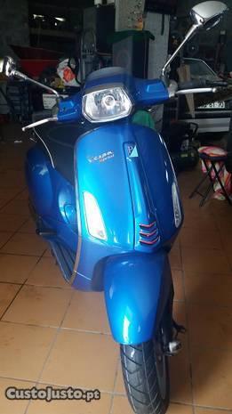 Vespa Piaggio 125 sprint 3vie